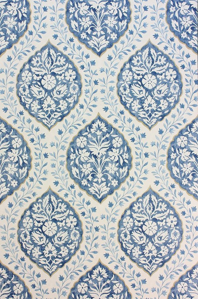 Marguerite Wallpaper in Blue from the Les Rêves Collection
