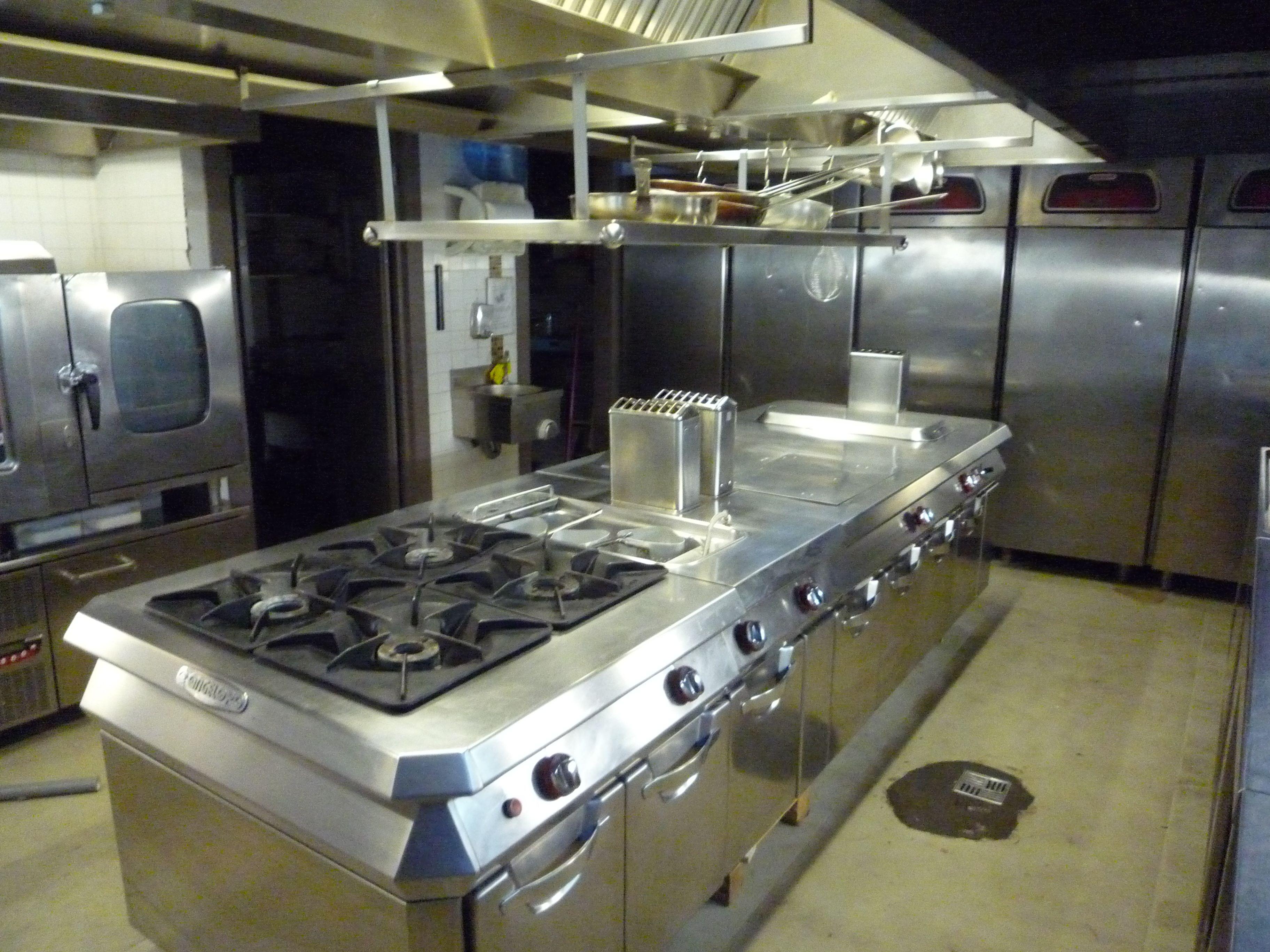 cucine professionali per ristoranti. La cucina Angelo Po, usata nel ...