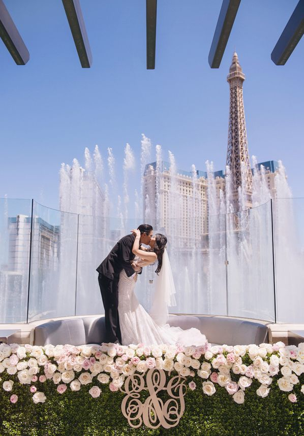 Wedding Chicks Must See Las Vegas Wedding Venues Las Vegas Wedding Venue Las Vegas Wedding Photos Las Vegas Wedding Chapel