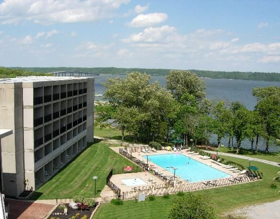 Paris Landing State Park Inn And Restaurant Are Located Only Minutes From The Heart Of Dover Tenn Visit Tennessee Tennessee State Parks Land Between The Lakes