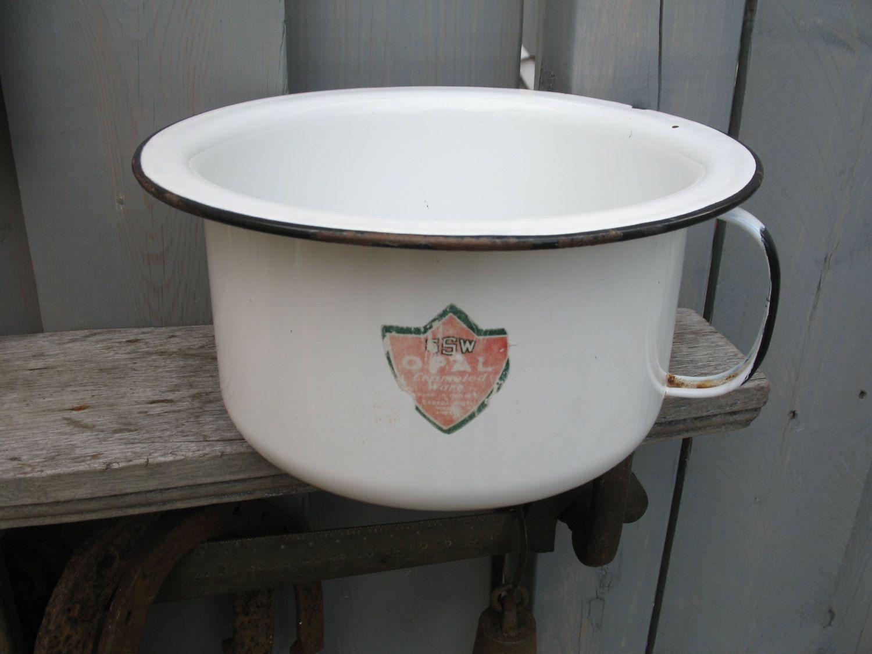 Pot De Chambre Metal Emaille Blanc Garniture Noir Epoque 1950 Etsy Enamelware White Trim Pot De