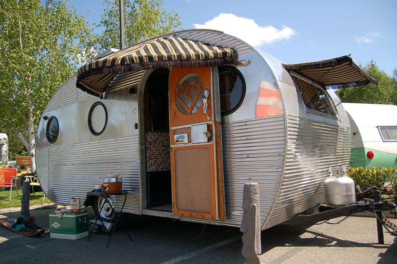 Love Those Round Windows And Cute Awning Teeny Glamping