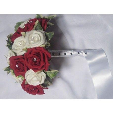 Bouquet de Mariée Rond fait avec de roses et diamants fantaisie
