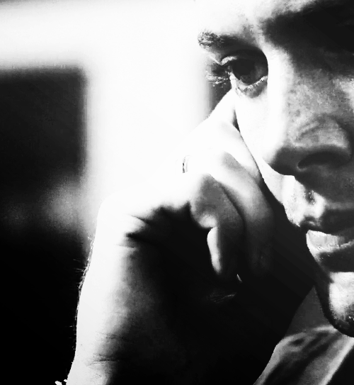 Beautiful edit of Dean from 2x06 No Exit - just look at the freckles, and the EYELASHES....