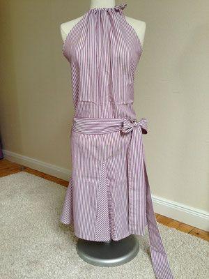 Super bequemes Holderneck-Sommerkleid ganz schnell selbstgenäht. Passt auch wenn die Bikinifigur noch in Arbeit ist. Die superleichte Nähanleitung für den Wickelkleid Schnitt und noch viele weitere Kleiderschnitte und Nähideen findest du auf dem Blog www.snyggbox.de
