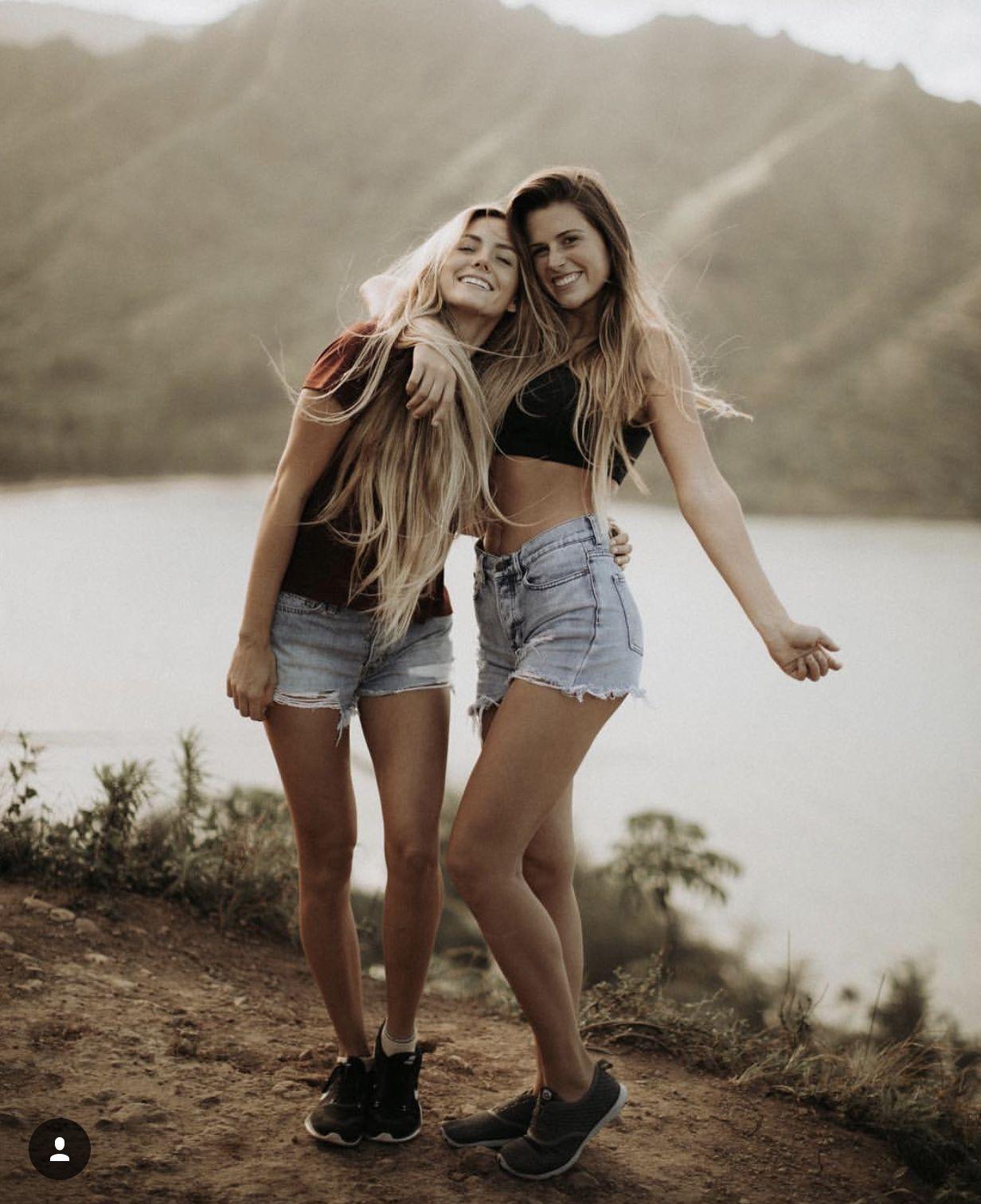 картинки две подружки красивые для