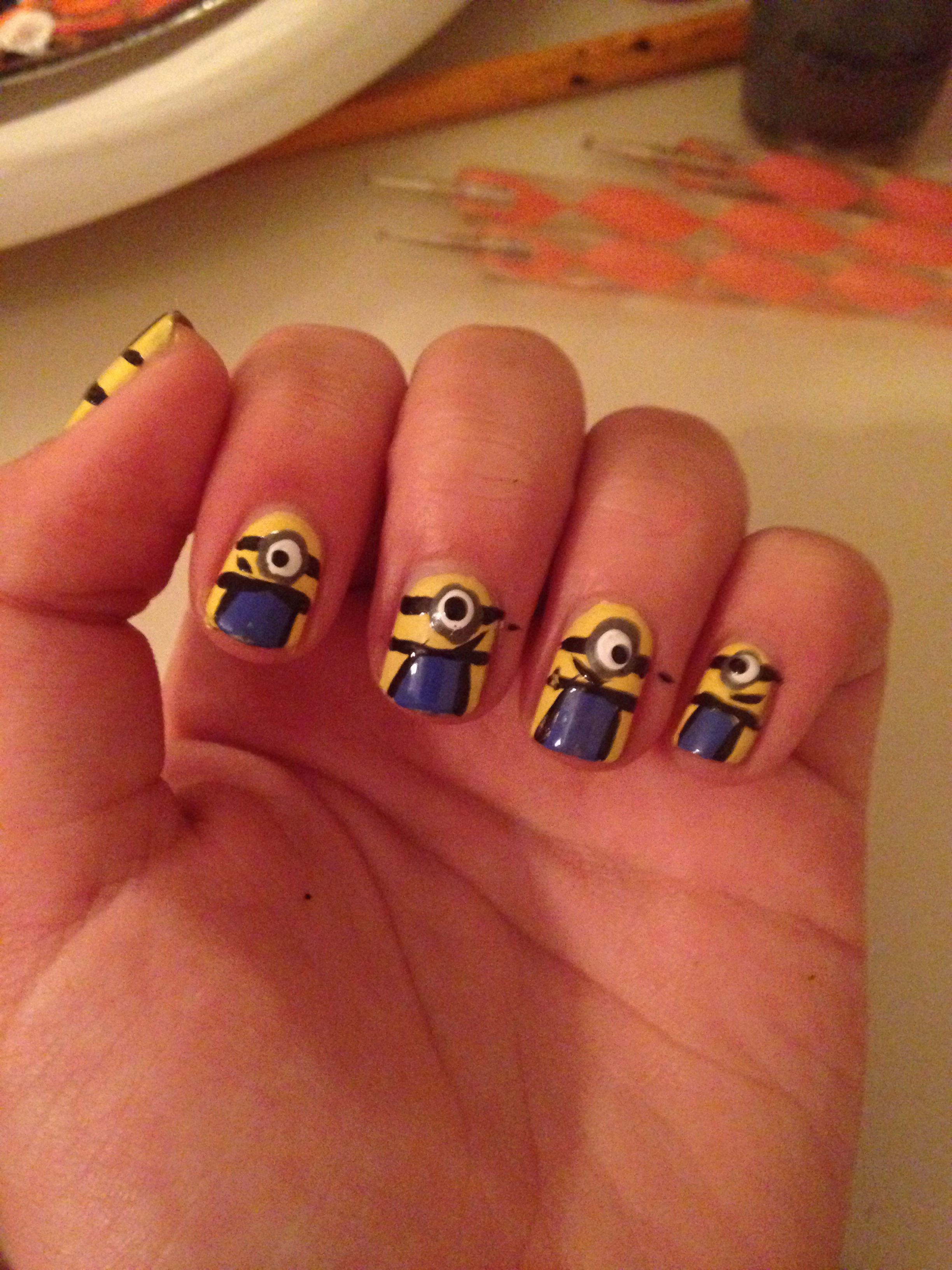 Cute and easy minion nails