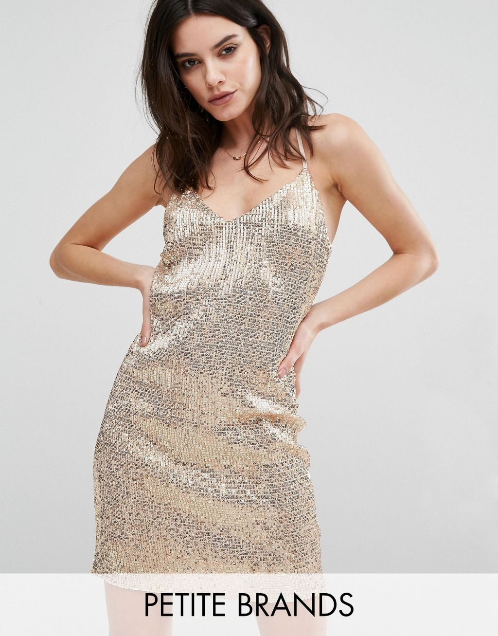 Product Details Petite dress by New Look Petite Sequin-embellished fabric V-neckline Regular fit - true to size Machine wash 100% Polyester Our model wears a UK...