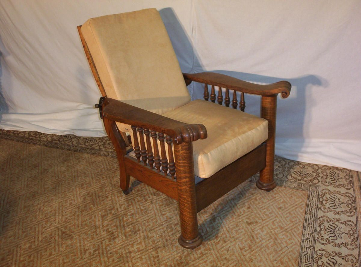 Tiger Oak Column Morris Chair, This Chair Reclinable