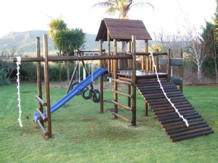 Jungle gyms for kids outdoor jungle gyms outdoors for Wooden jungle gym plans