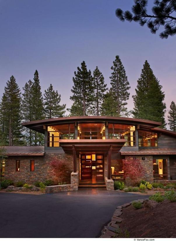 lujosa mansi u00f3n en el lago tahoe  dentro de un campo de log homes manufacturers uk Tan Yellow Homes