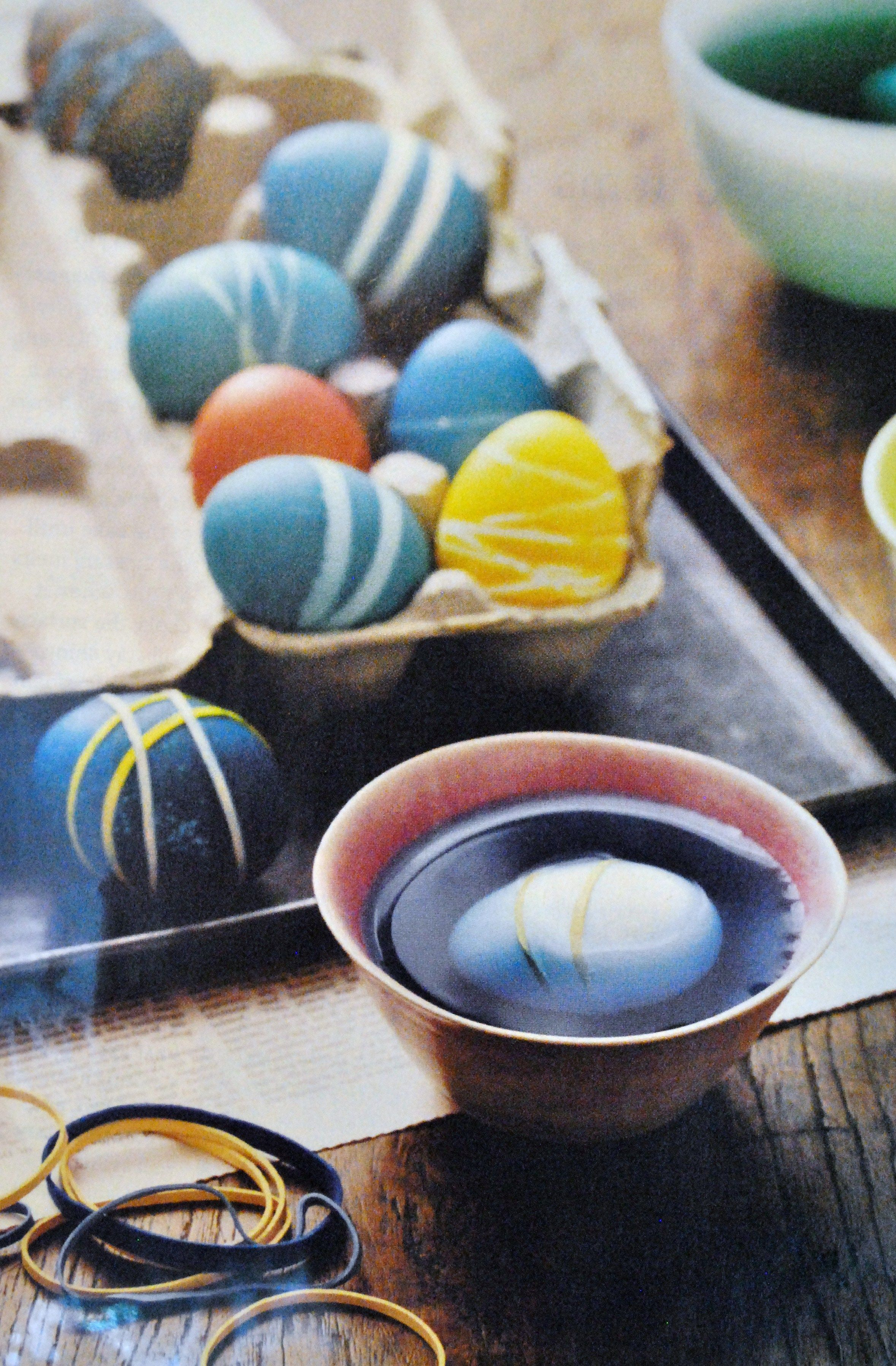 Easter Eggs - use rubber bands to create fun stripes on your eggs! (From Real Simple)