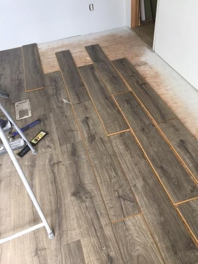 Fantastic Pergo Outlast+ Vintage Pewter Oak 10 mm Thick x 7-1/2 in. Wide x  AJ38