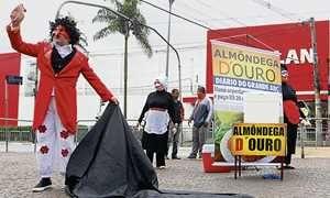 Protesto pede investigação do preço das almôndegas em Mauá