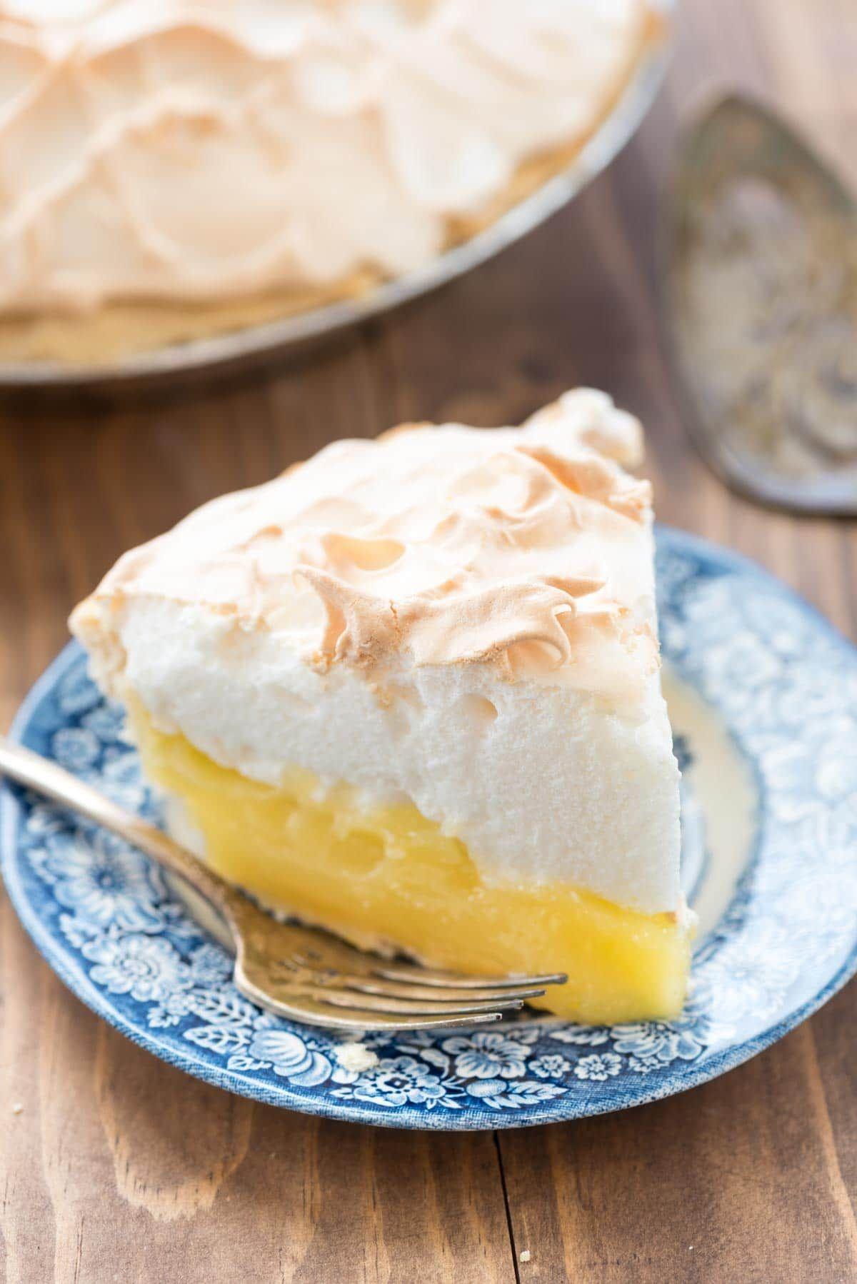 Aunt Tootsie's Lemon Meringue Pie #lemonmeringuecupcakes