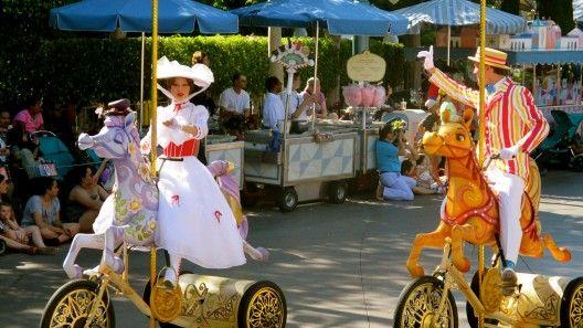 Mickey' Soundsational Parade