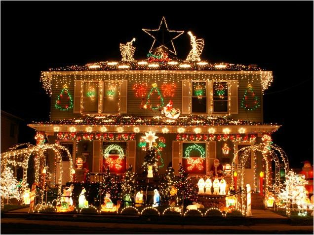 2 outrageously over the top christmas light displays seeing the light