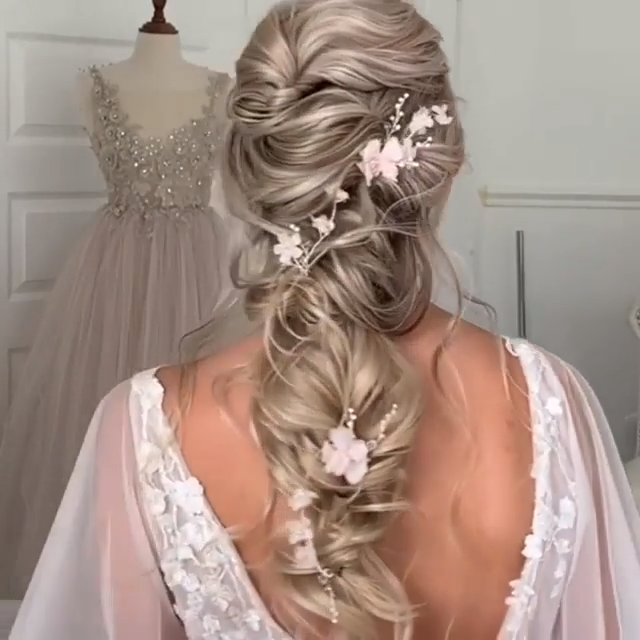 Very romantic hair braid!