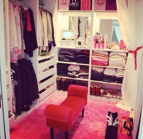 I Like This Walk In Closet Cuz Its Not Toooooo Big So It Looks These