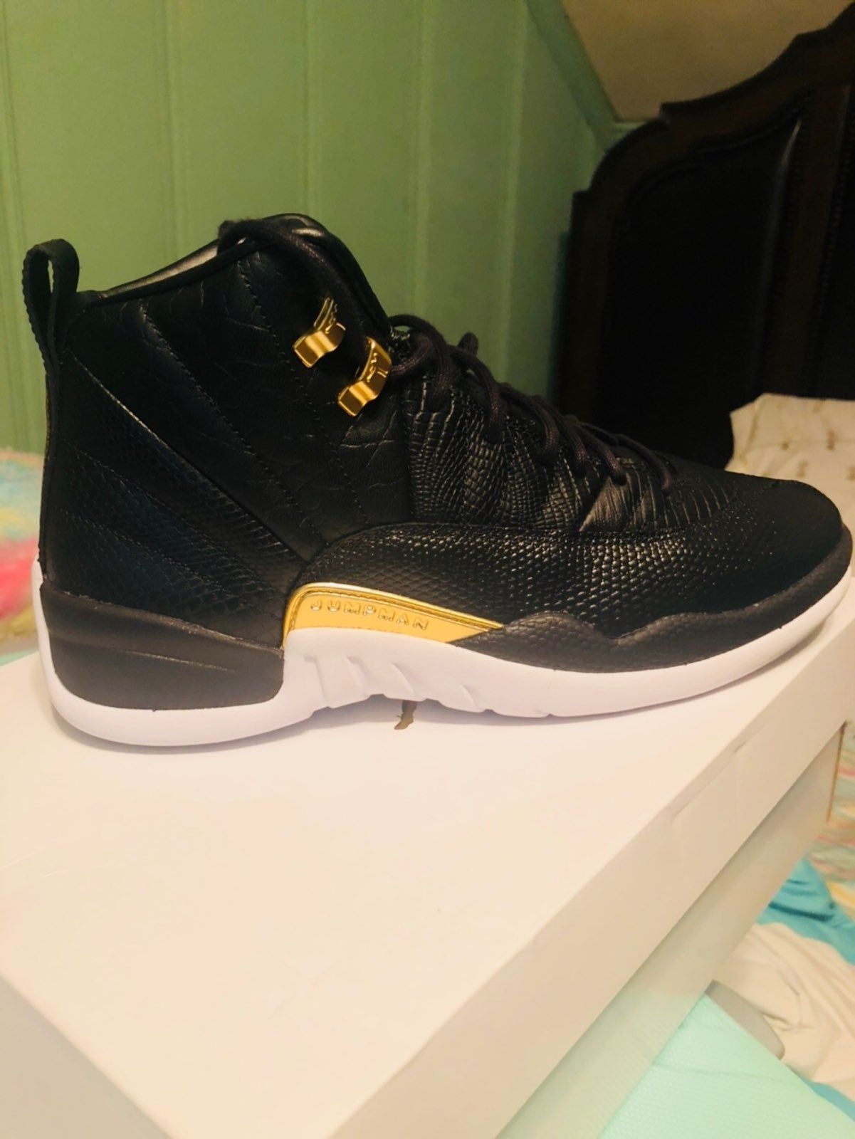 Jordan Air 12 Retro - Size 12