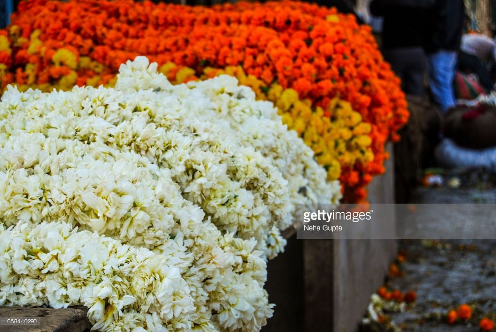 Mehndi Flower Garlands : Fresh flower garlands for sale at the largest wholesale