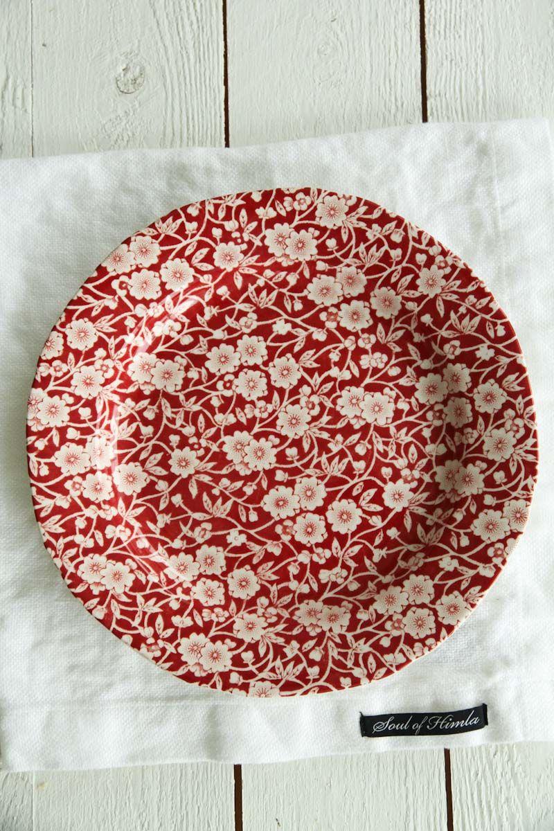 Burleigh Pottery | Red Calico Assiett | Engelskt porslin | Matilde & Co | Handla online