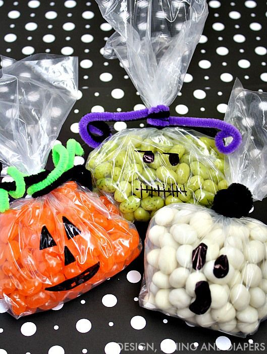 Easy Candy Halloween Treats Easy, Holidays and Halloween ideas - halloween treat bag ideas