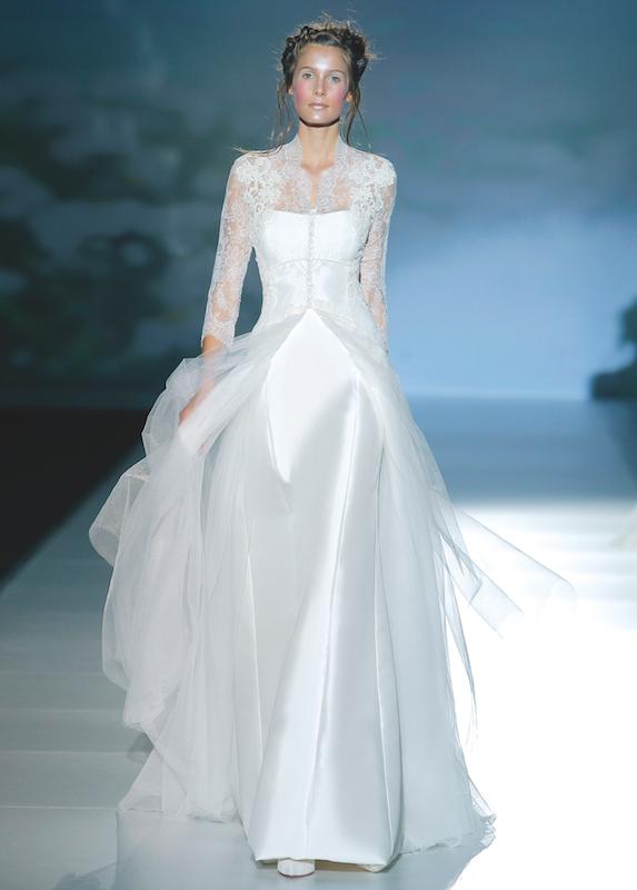 Vestido de novia, modelo Brujas de la colección de Vitorio y Luccino ...