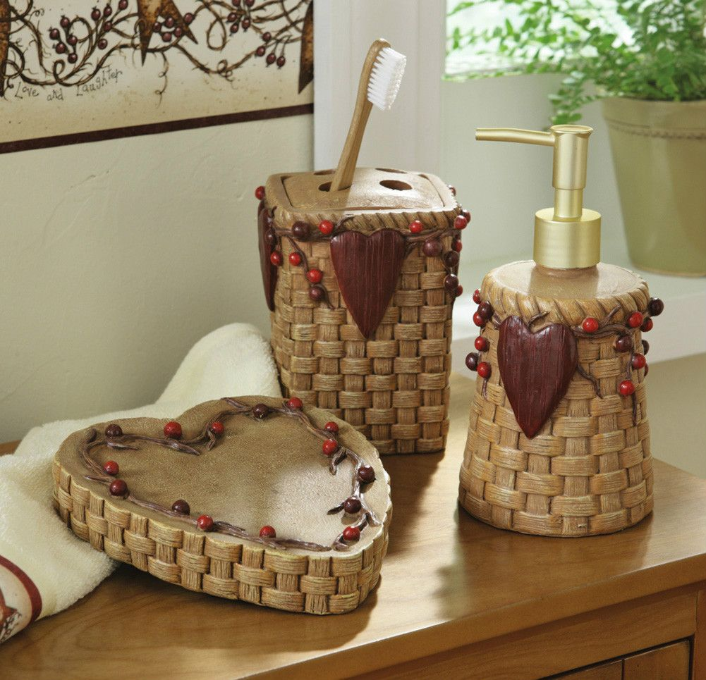 Country Heart Berries Bathroom Accessories