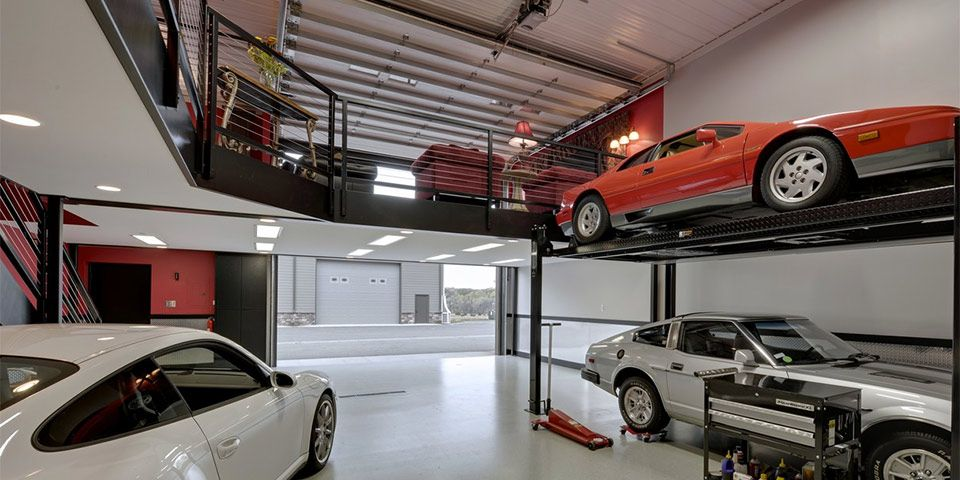 Racing Garage And Relax Room Above Dream Garage Car Barn Toy Garage