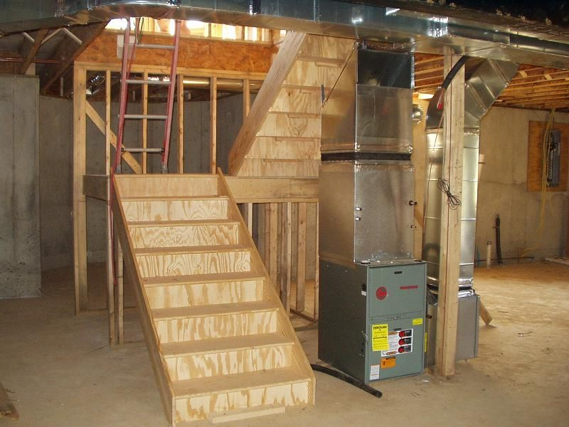 Pictures of l shaped basement stairs build stairs to for Steps to building a new home