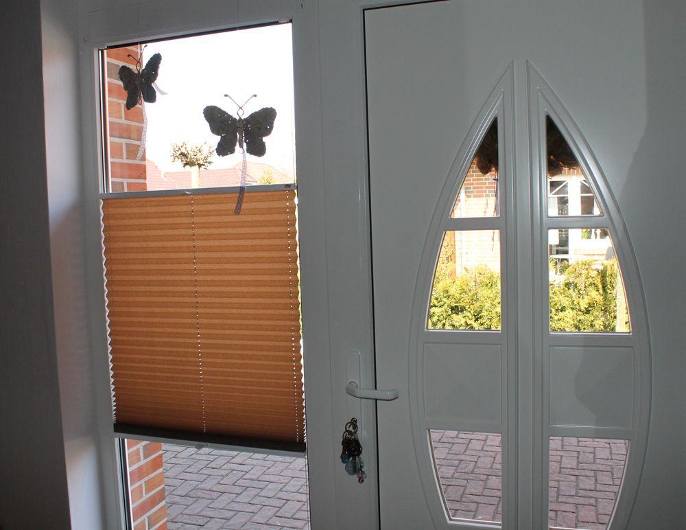 f r glast ren den perfekten sichtschutz wie hier mit einem plissee plisy pleated blinds. Black Bedroom Furniture Sets. Home Design Ideas