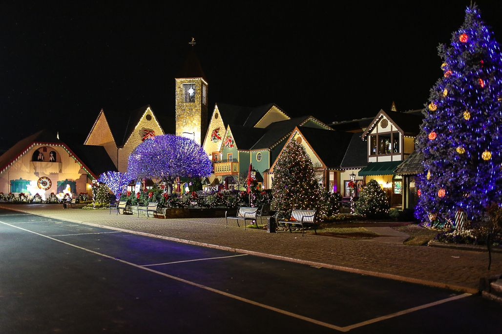 Are you looking for the perfect Christmas activity or the best spot to view Christmas lights? This Smoky Mountain Christmas Guide is for you!
