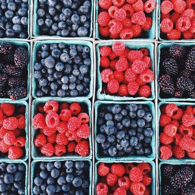 Summer Berry Baskets // via ashesandwine_