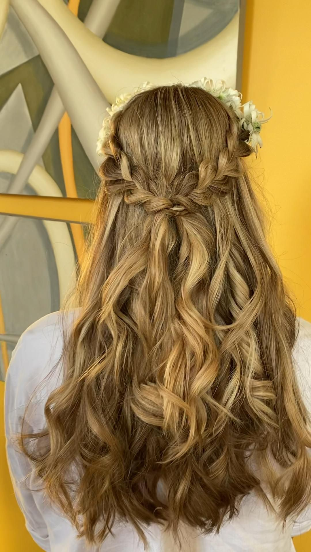 Gorgeous bridal half Up style