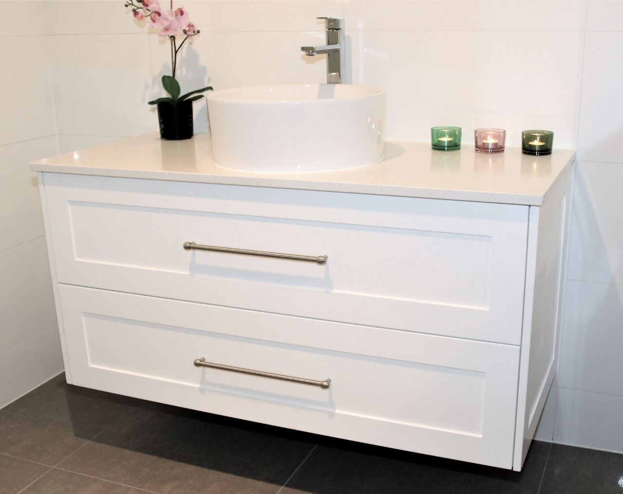1200 Lucca Wall Hung Vanity In Shaker Style Panel With Snow Caesarstone Top Shaker Stonetop