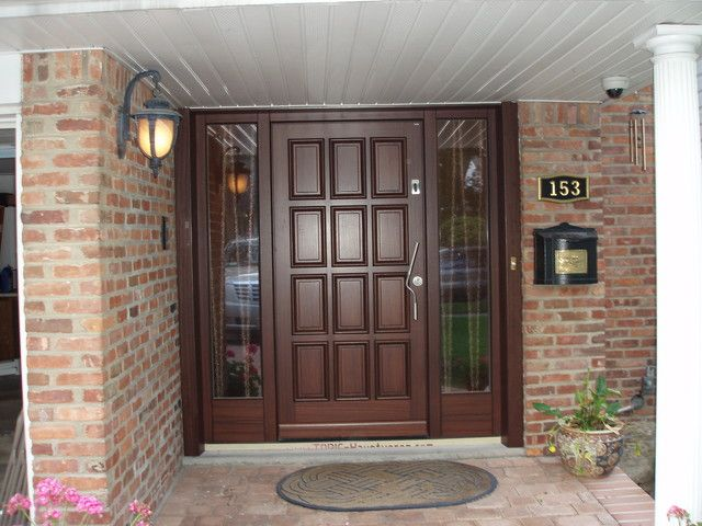 Traditional front door designs colonial front porch for Traditional main door design