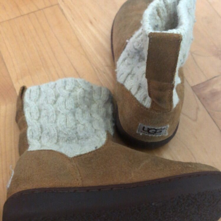 Ugg Shoes | Girls Guc Uggs. Lots Of Wear Left. | C