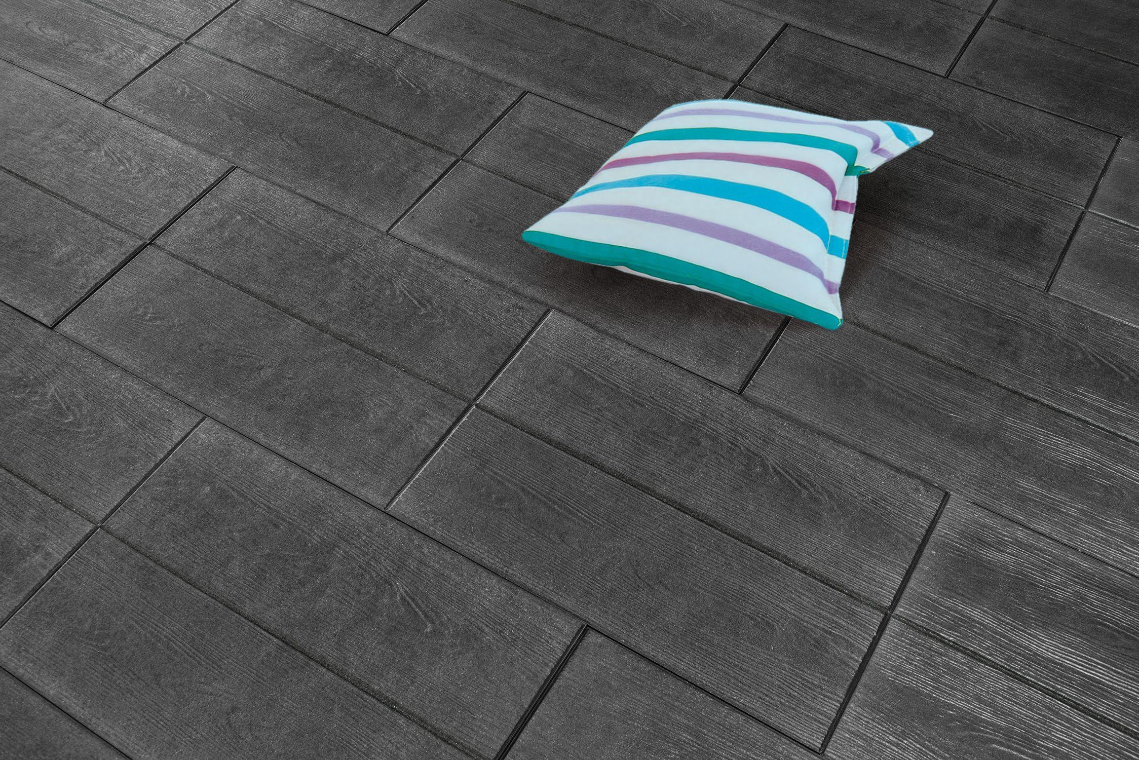 dunkel und elegant ist die natura platte basalt mit holzstruktur 60x40 cm mit angedeuteter. Black Bedroom Furniture Sets. Home Design Ideas
