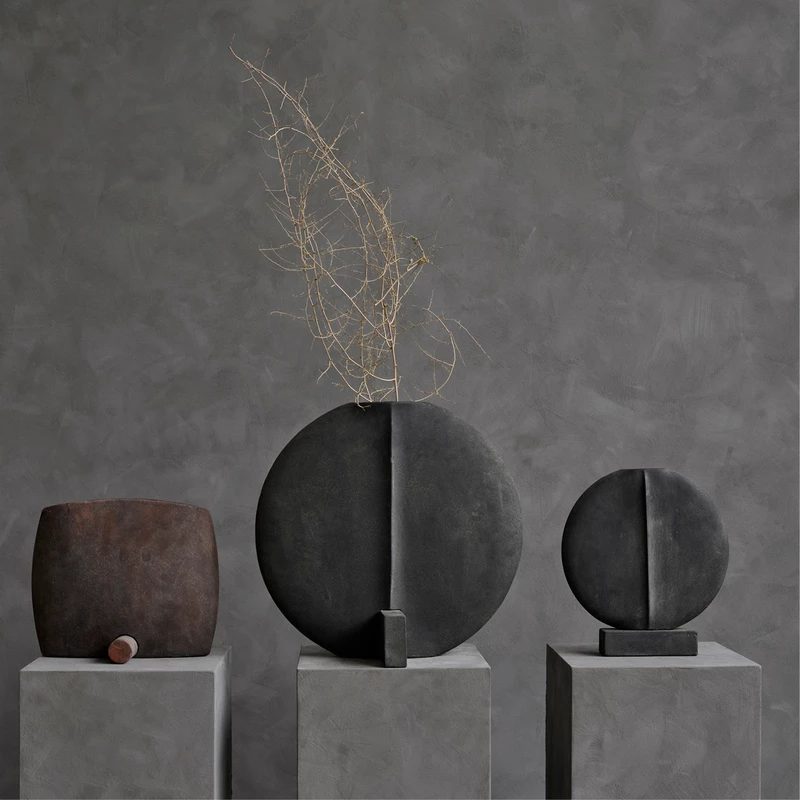 Guggenheim Vase, Big – Dark Grey