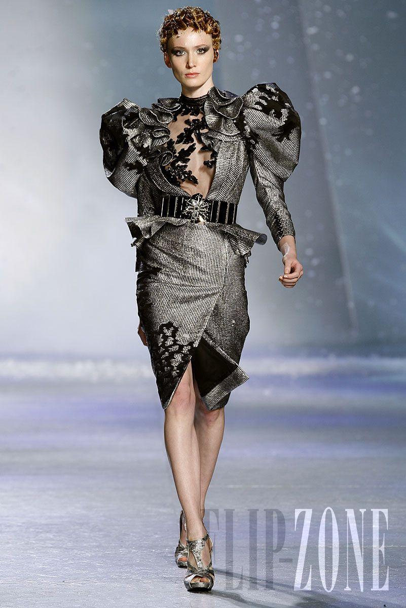"""Zuhair Murad - Couture - """"Winter rhapsody"""", F/W 2009-2010 - http://www.flip-zone.net/fashion/couture-1/fashion-houses/zuhair-murad-1017"""