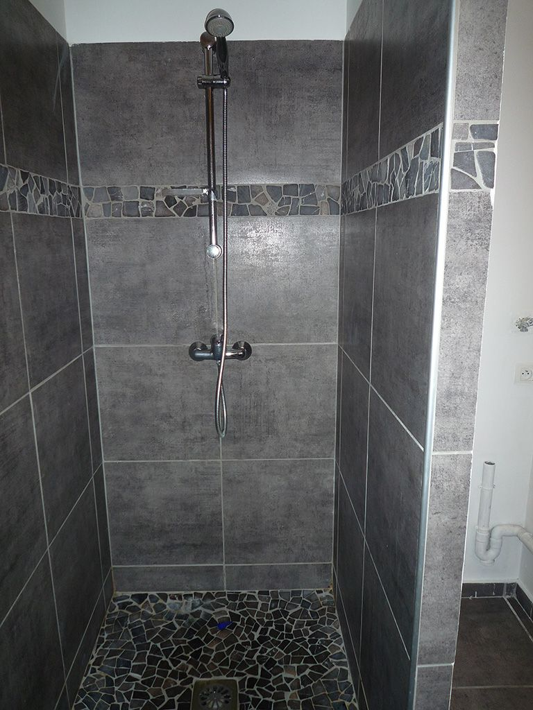 Carrelage douche sdb pinterest carrelage douche for Exemple salle de bain carrelage