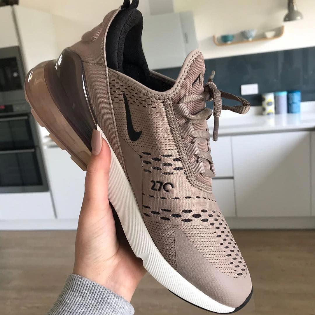 Der Neue Sneaker Von Nike Air Max 270 In Moon Particle Super Schuh Oder Was Sagt Ihr Womenstwistedxs Nike Workout Shoes Nike Shoes Air Max Nike Air Max