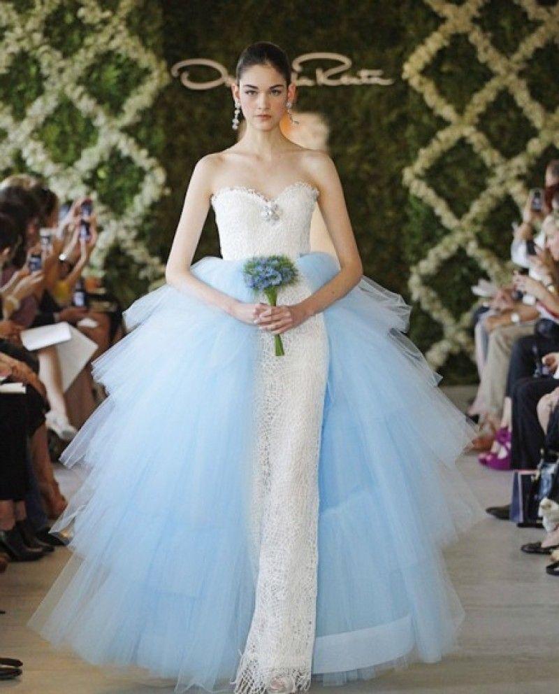 Oscar de la Renta\'s Barbie Doll Dresses Up In A Runway Bridal Gown ...