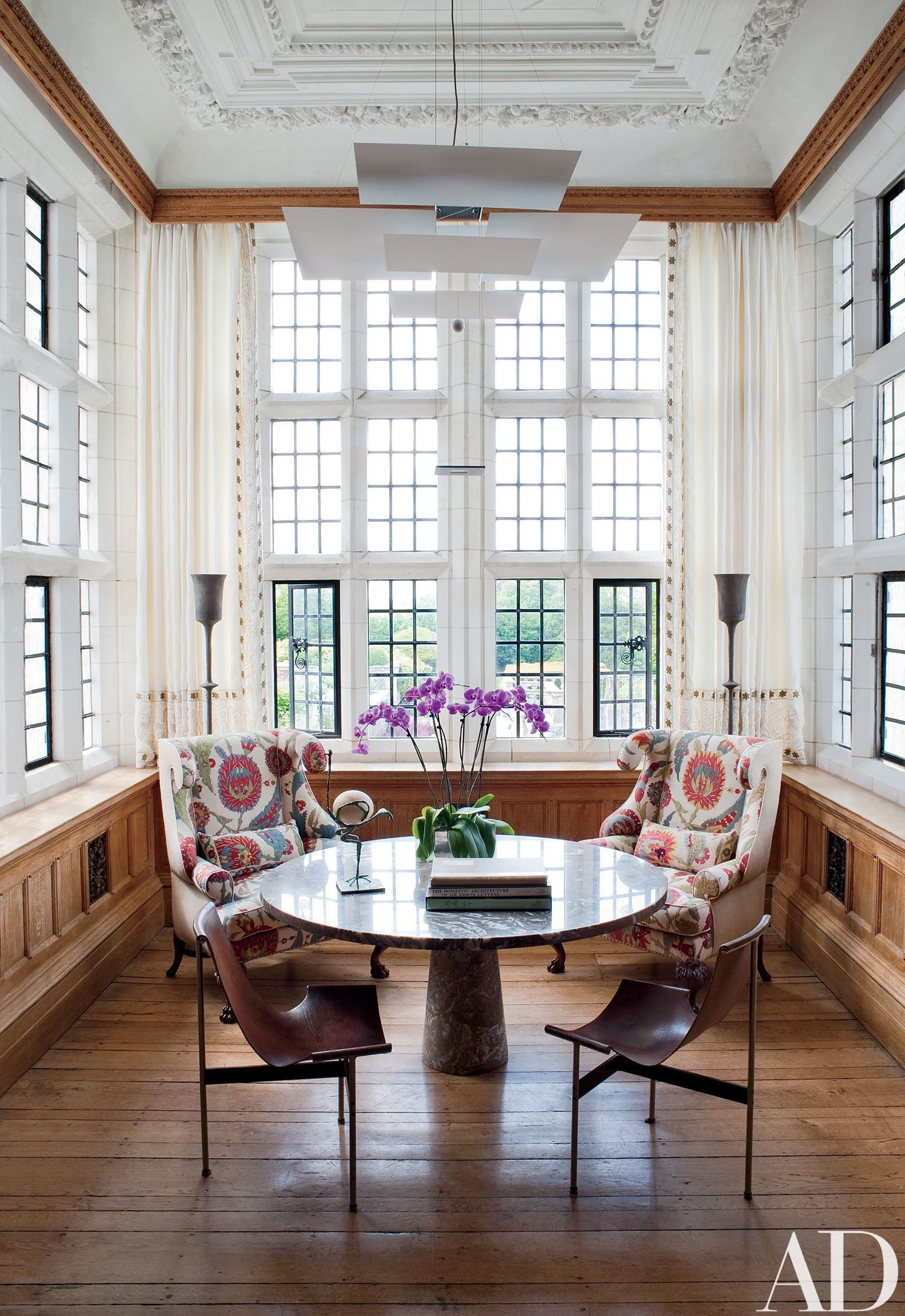 Look Inside an English Country Home That Elegantly Blends Tudor and ...