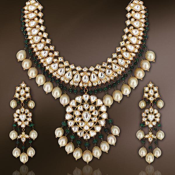 Indian Wedding Gold Necklace Jewellery Sets Gold Pendants: Bridal Jewellery...Mesmerizing And Ethnic...