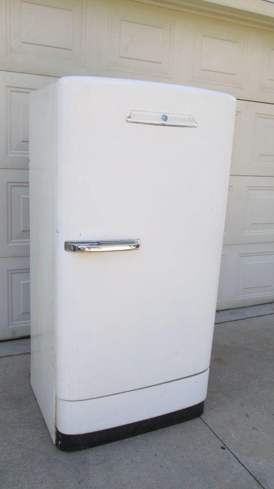 Vintage General Electric 1950 S Retro Refrigerator 1 Retro Refrigerator General Electric Refrigerator Refrigerator