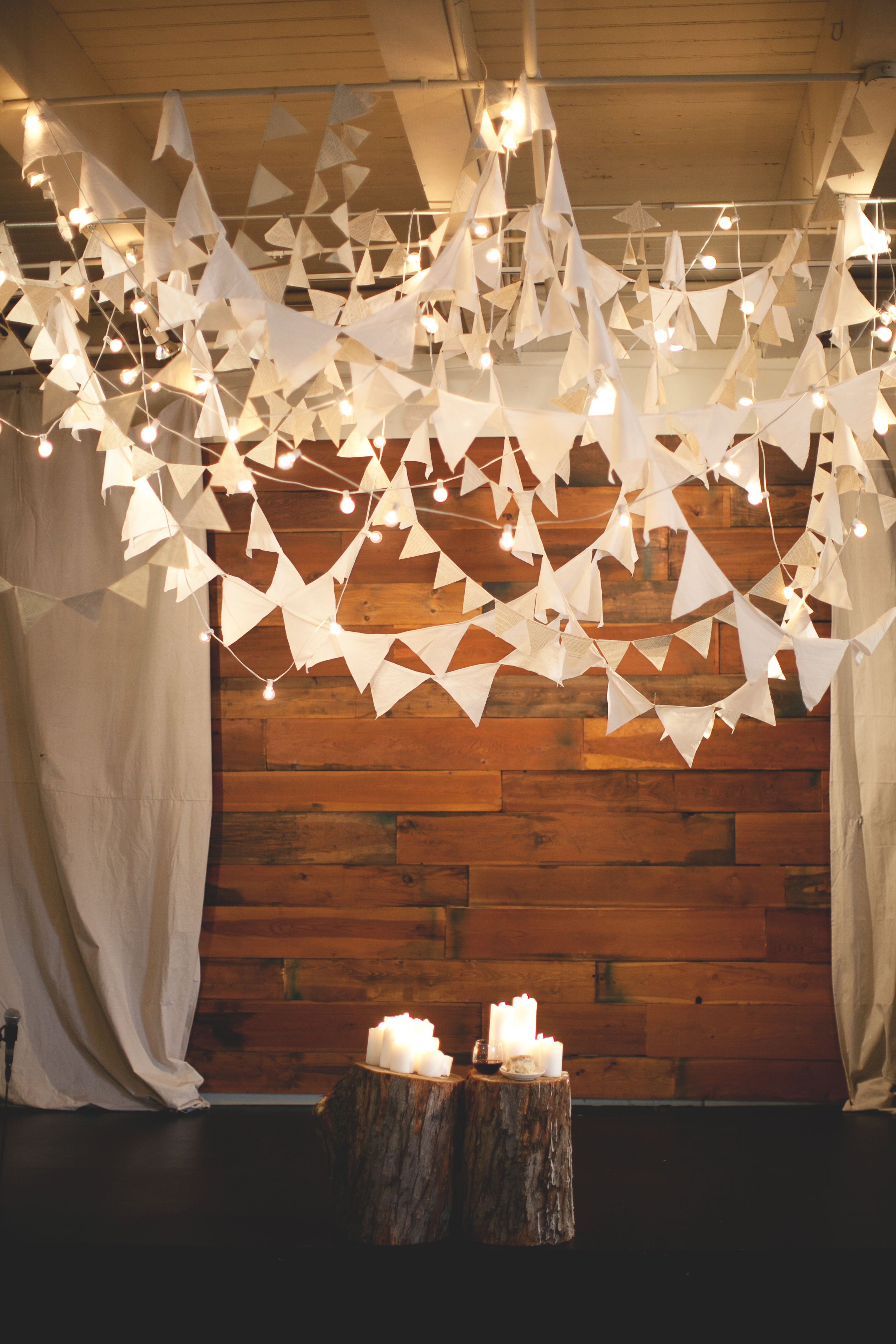 Rustic Wedding Alter - white flags make me think of @Amy Lyons Lyons Lyons Cagulada