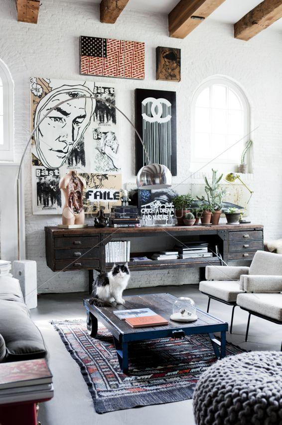 Cozy #living #room With #wood #cabinet // Gemütliches #Wohnzimmer Mit  #Holzschränkchen