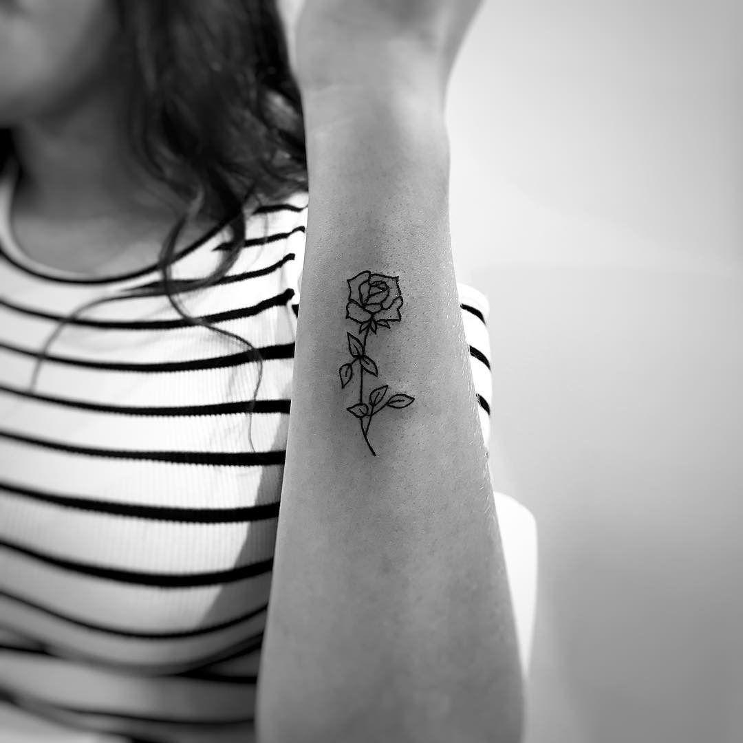 25+ Tatouage rose au poignet ideas